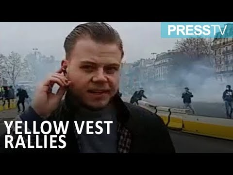 [27 January 2019] French protesters confront police front lines - English