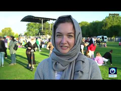 [26 March 2019] Women in Christchurch continue to wear headscarves in show of support for Muslim community - English