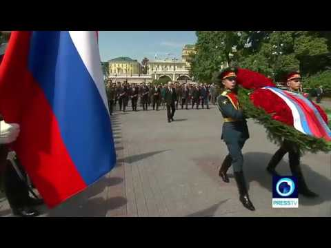 [21 June 2019] Russia: Putin lays wreath at Tomb of Unknown Soldier in Moscow - English