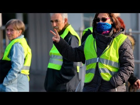 [Documentary] 10 Minutes: Macron vs. Yellow Vests - English